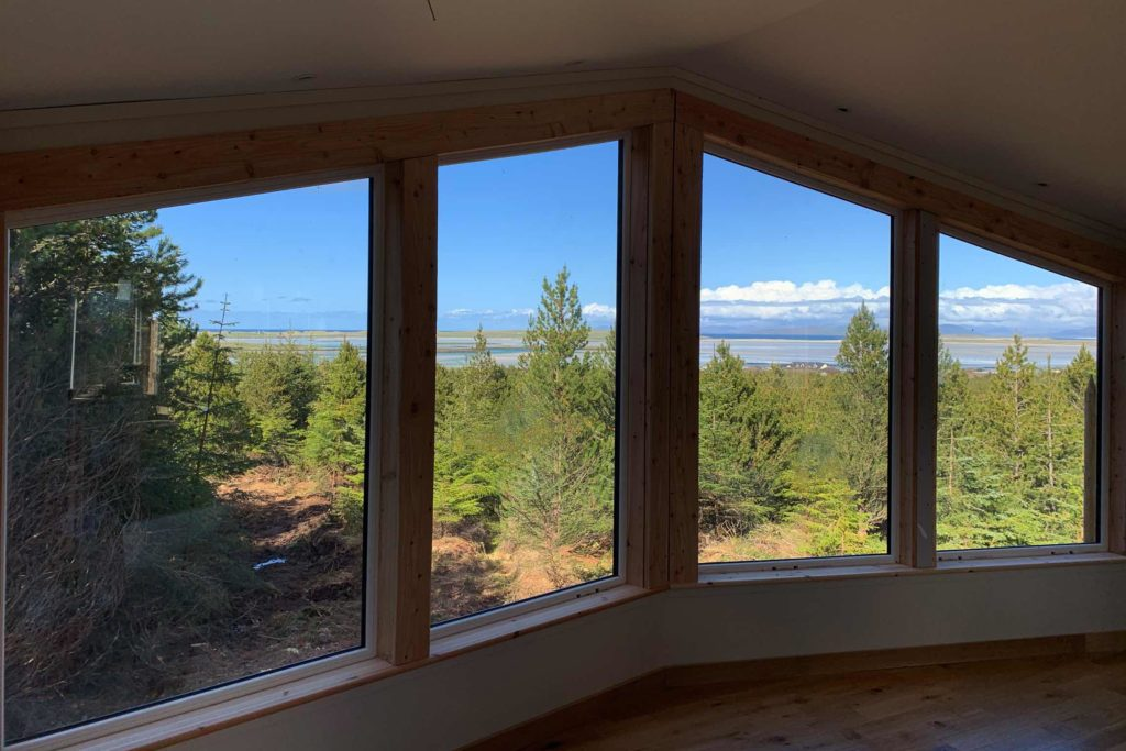 Treehouse with forest and sea view. North Uist